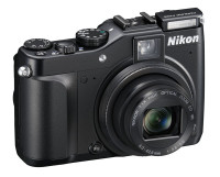 P7000 SLup front34r 200x161 Photokina: Mein Tag 2 mit Canon, Nikon, Abzügen & Joe McNally